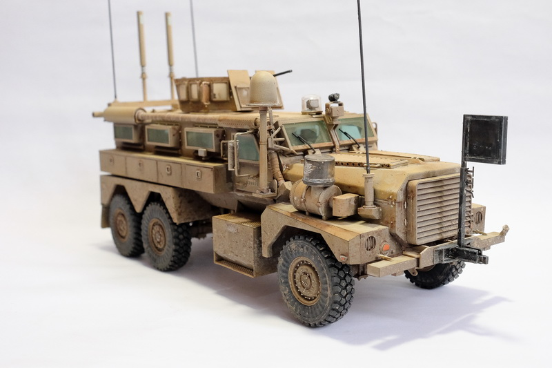 1/35 Meng Model U.S. Cougar 6 x 6 Mrap Vehicle