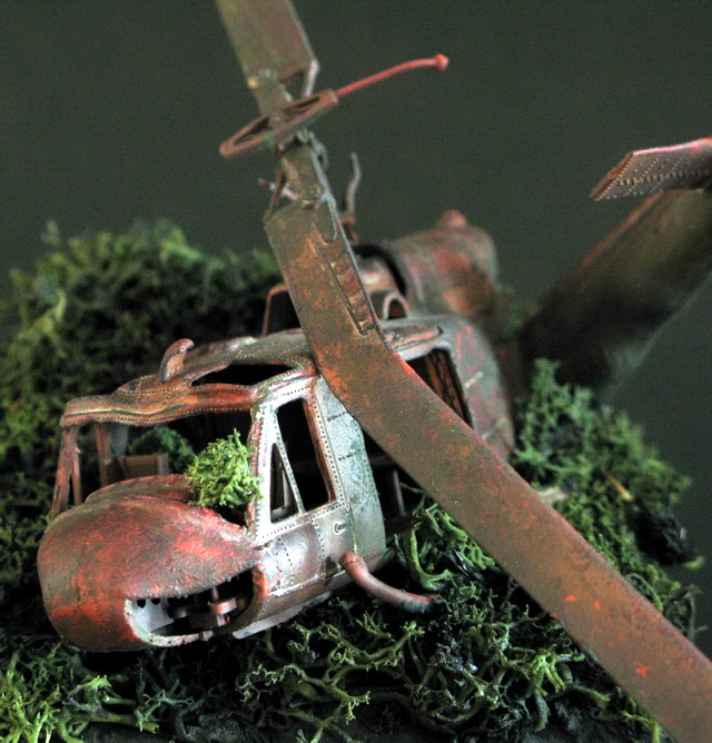 1/72 Huey Wreck