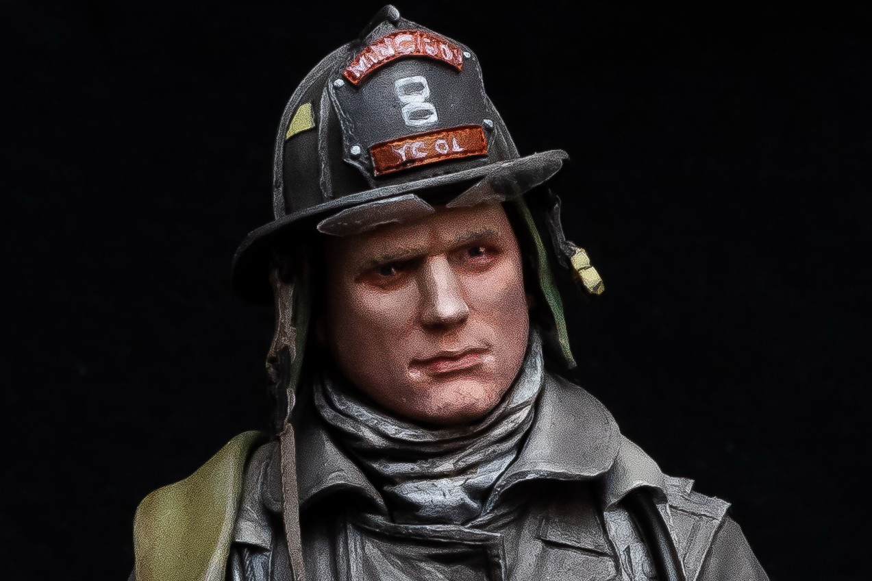 Young Miniatures Fire Fighter 1:10