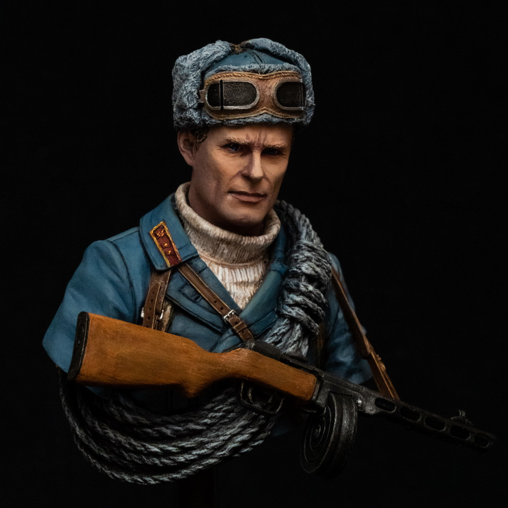 Young Miniatures Soviet Mountaineer Officer 1942