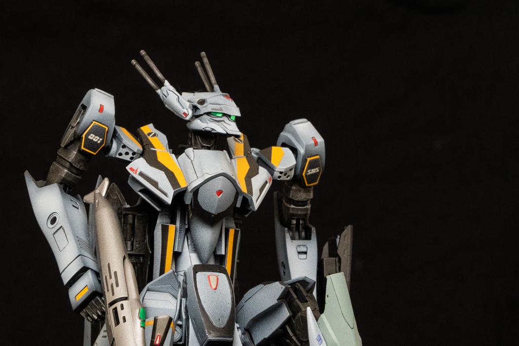 Bandai 1/72 VF-25S Messiah Valkyrie Ozma Type